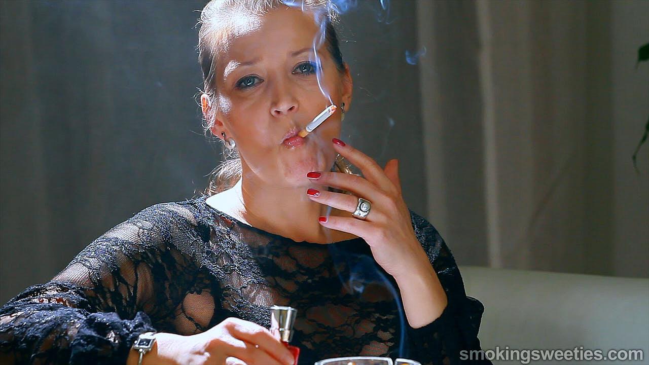 Valeria: intervista con una fumatrice matura