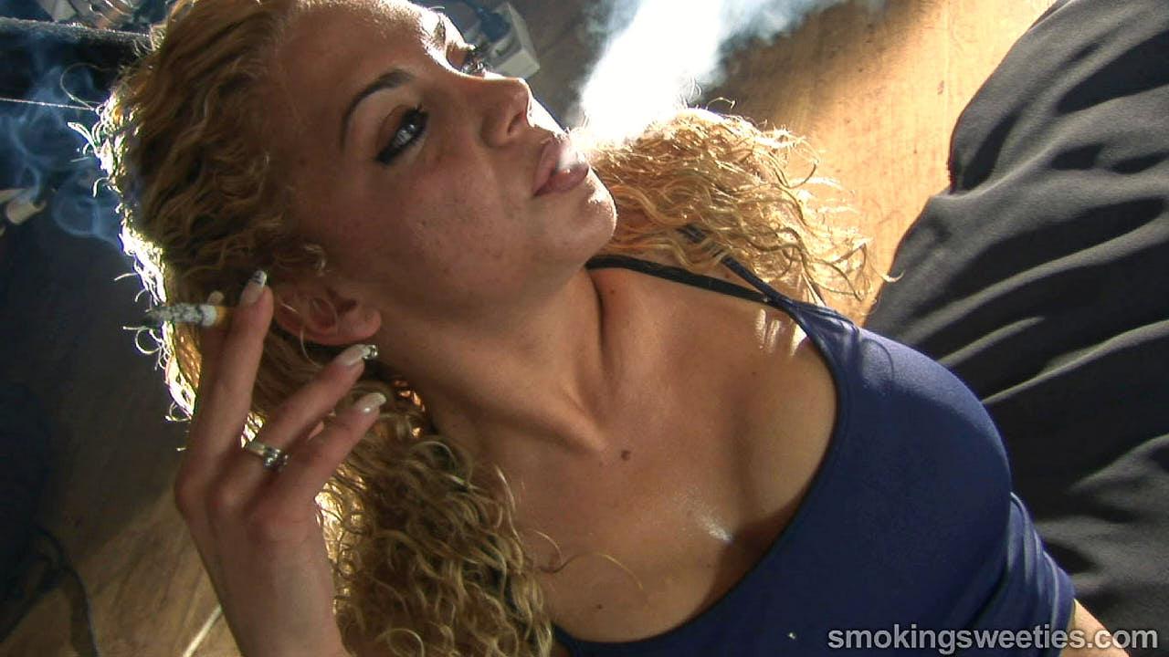 Vanessa: Smoky Sports & Relaxing