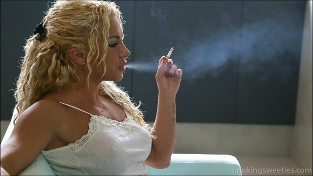 Vanessa: Primal Smoking Queen