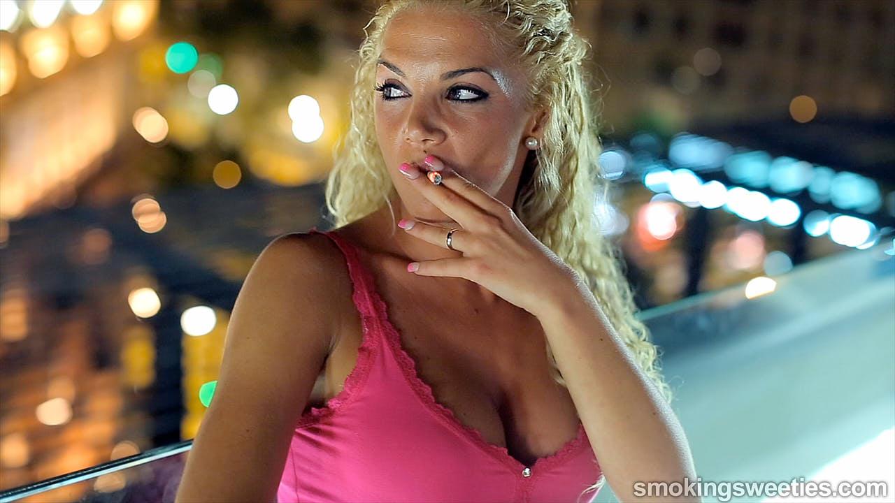 Vanessa: Long term smoking beauty