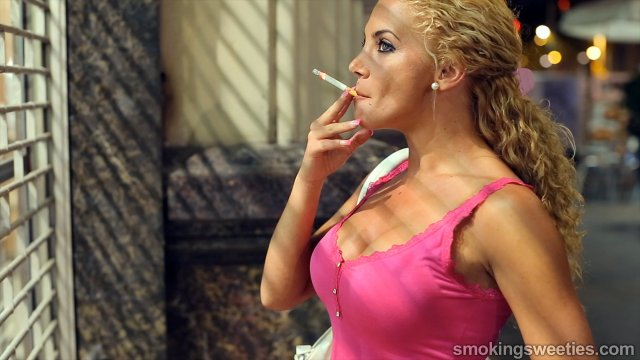 Vanessa: Long term smoking beauty