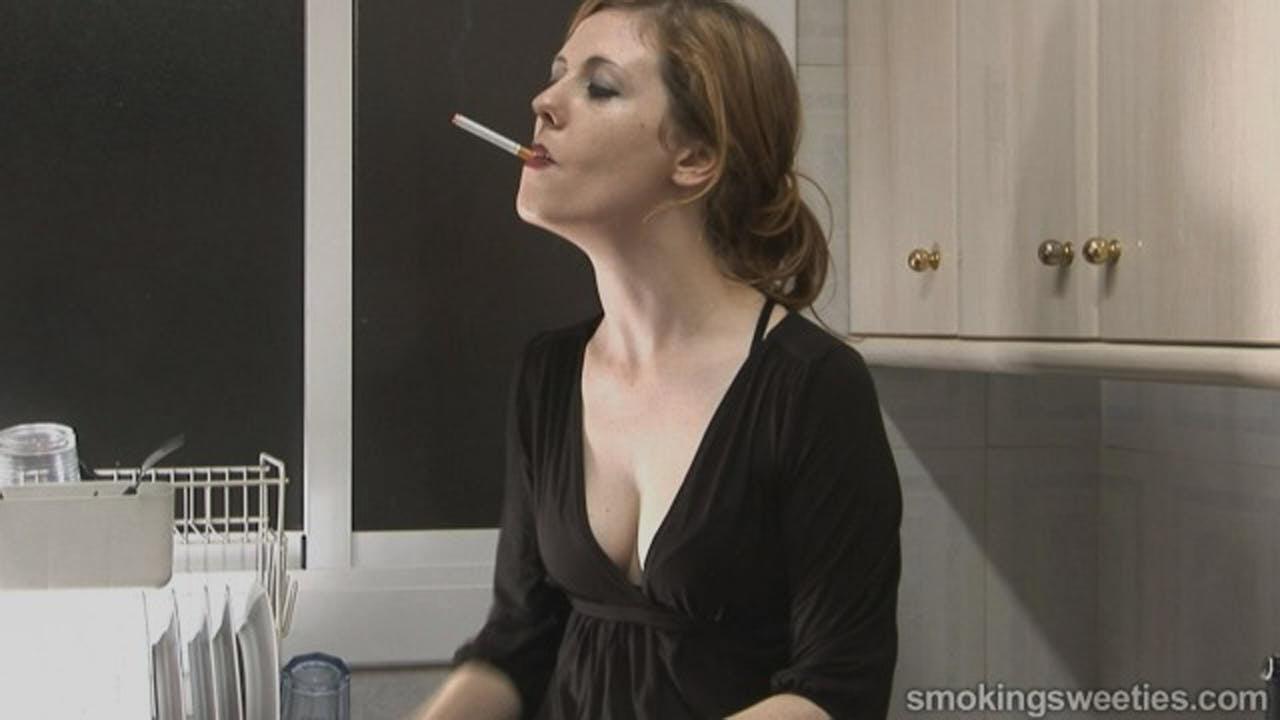 Venus O'Hara: Irish chain smoker