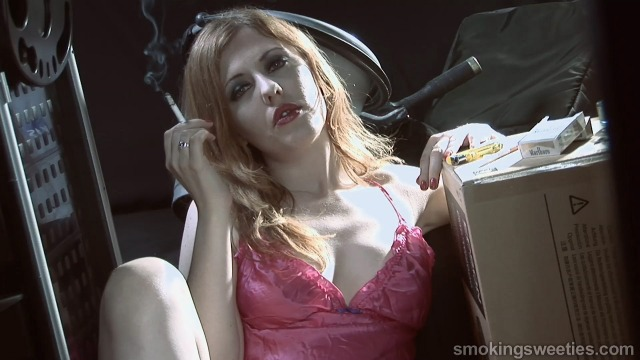 Venus O'Hara: Dirty Smoker