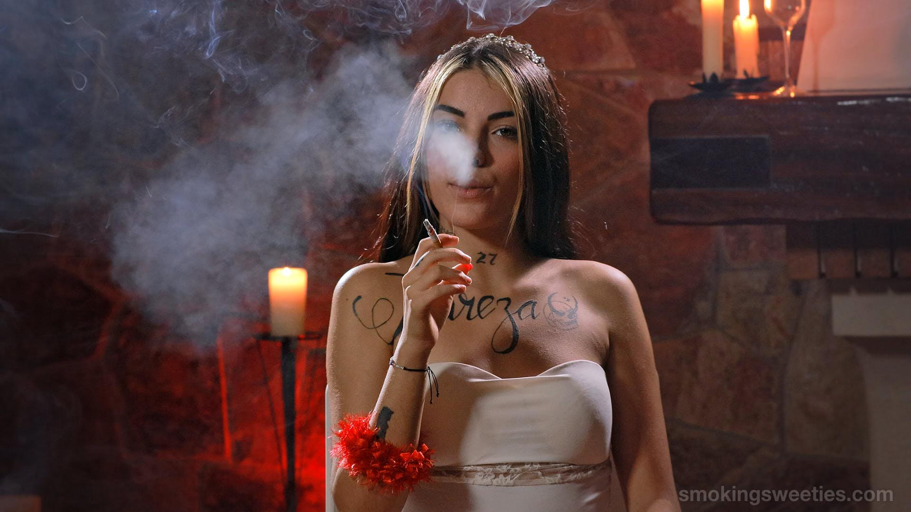 Zahira: Red 100s princess